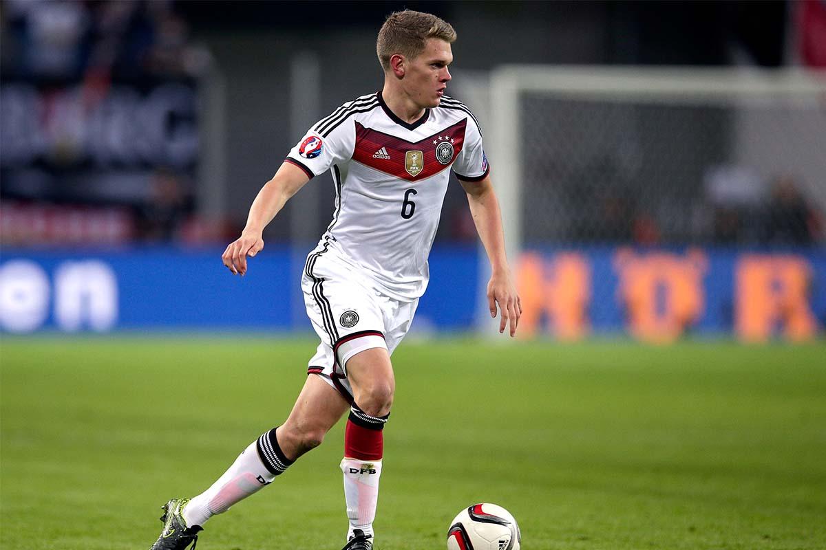 Matthias Ginter1
