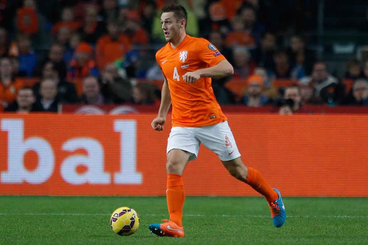 Stefan de Vrij is a target for Chelsea
