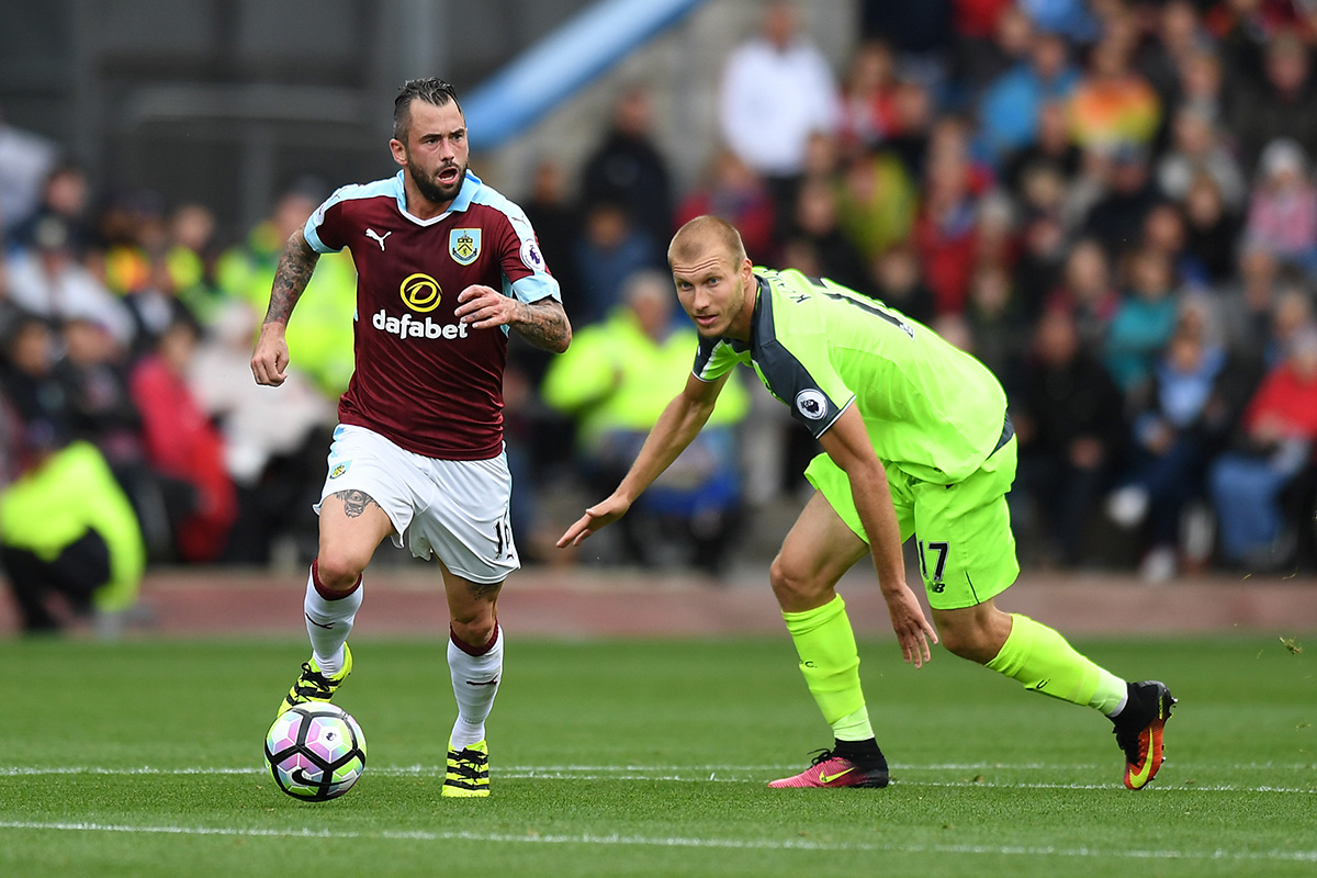 steven defour burnley v liverpool