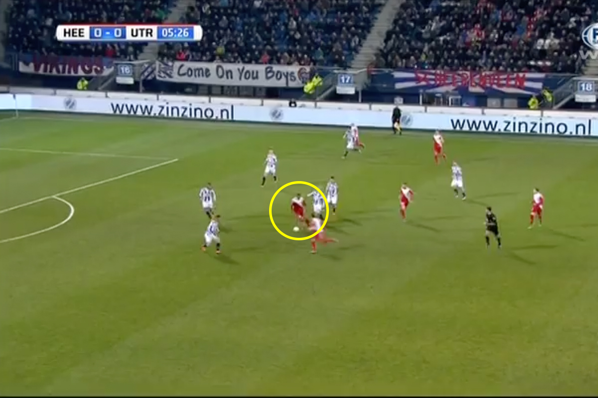 Haller showing his passing skills with an assist for Utrecht.