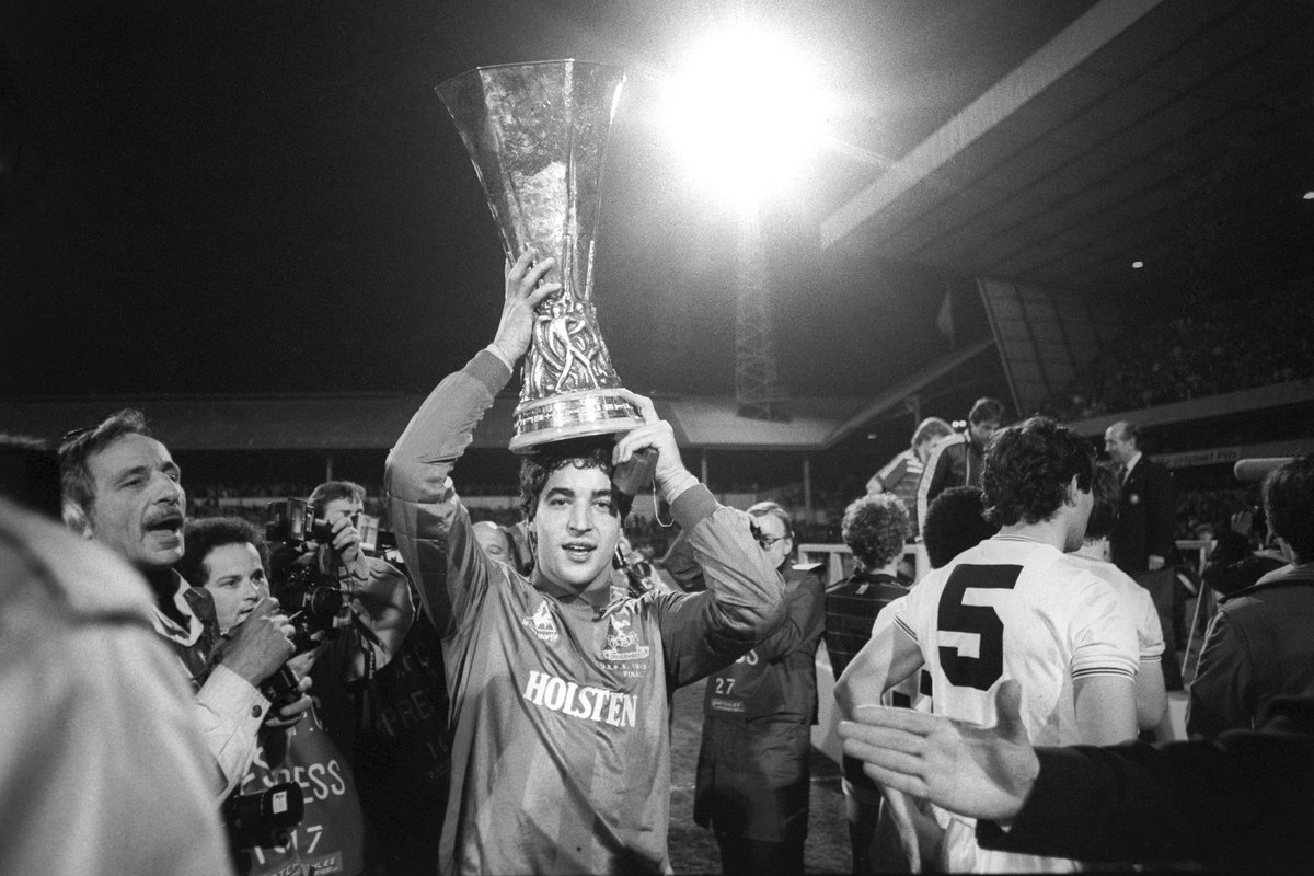 Spurs win UEFA Cup