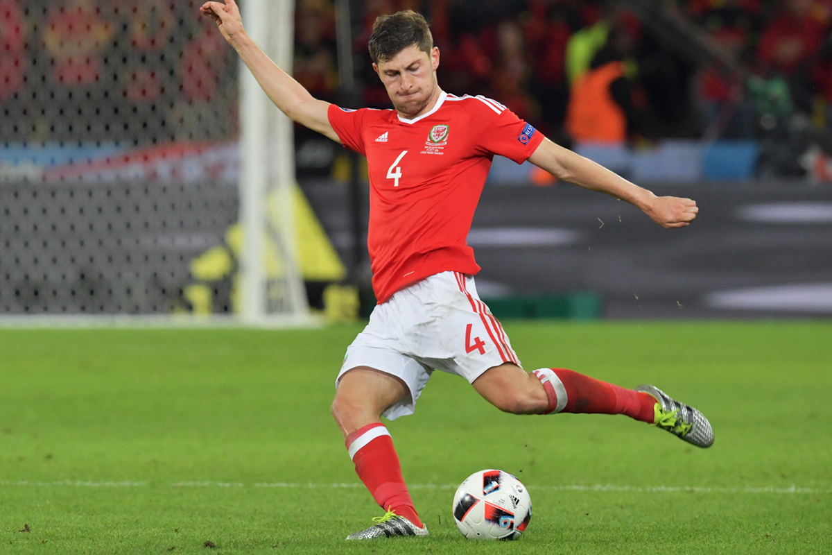 Ben Davies playing for Wales at Euro 2016