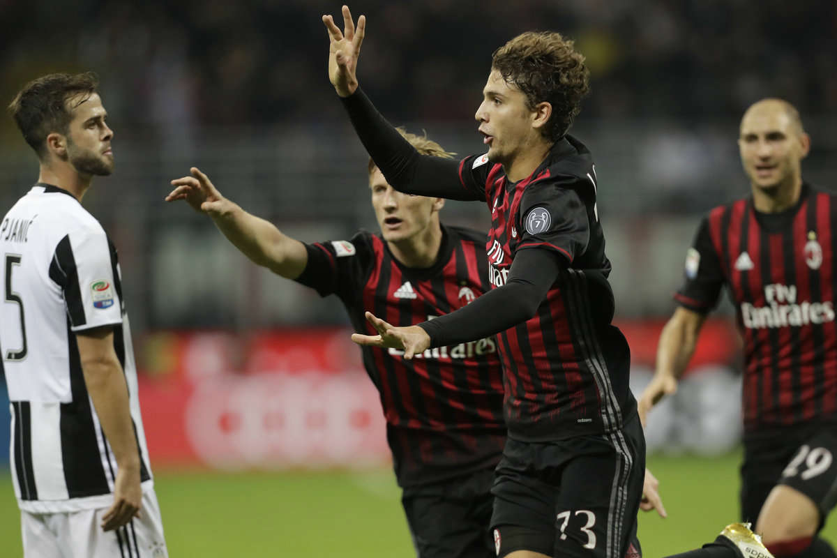 Manuel Locatelli celebrates his goal against Juventus