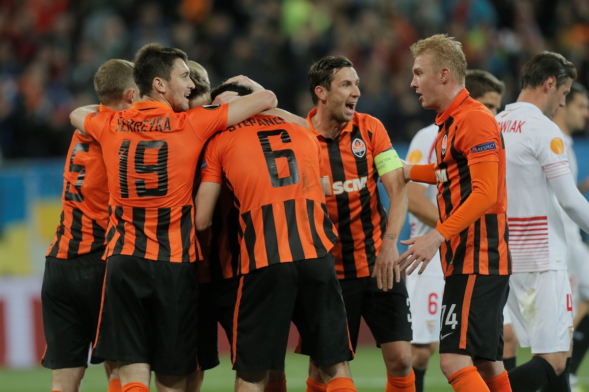 Shakhtar Donetsk players celebrate in the Europa League
