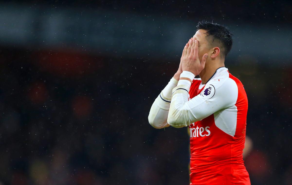 Arsenal's Alexis Sanchez rues a missed chance