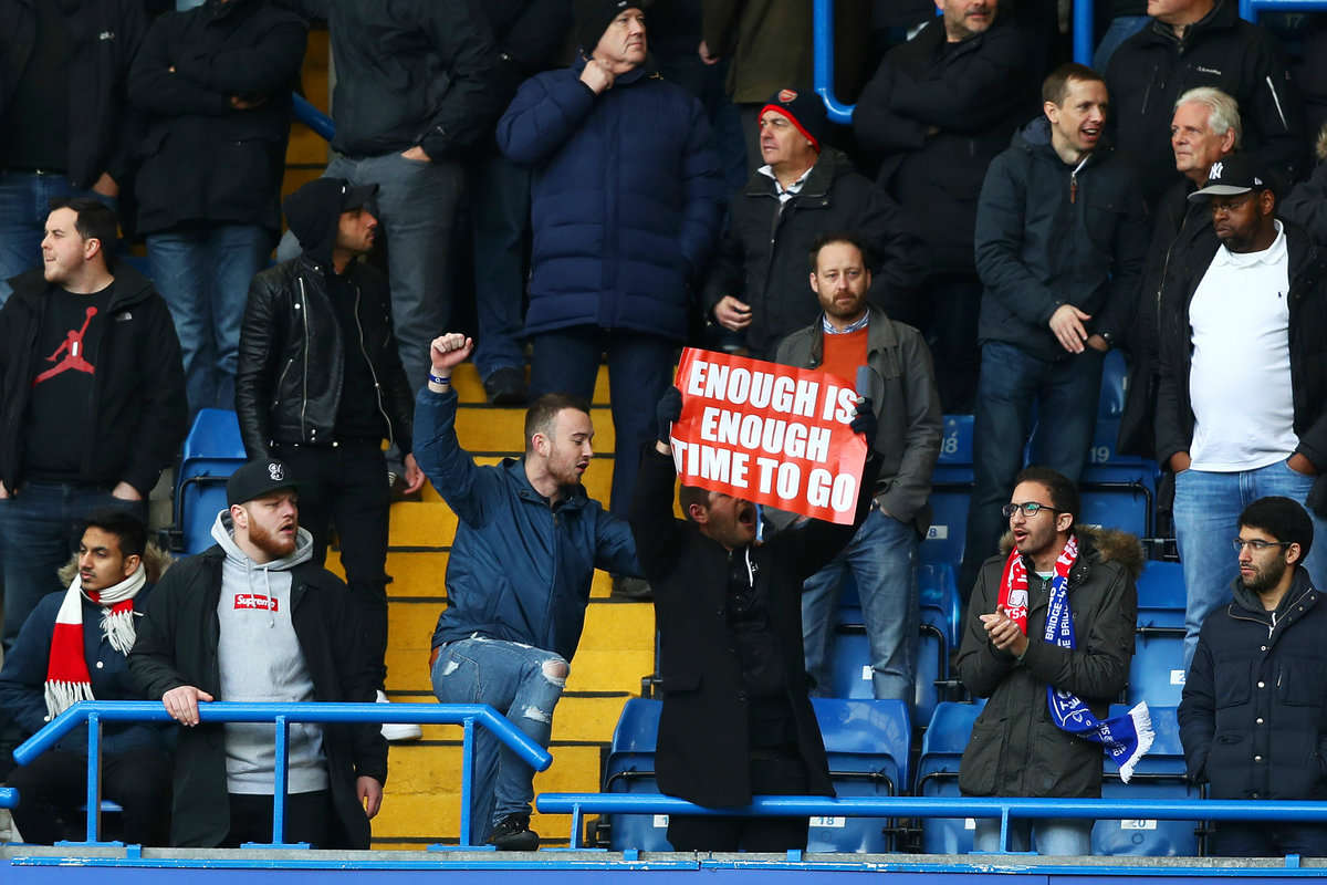 Arsenal fan reveals banner calling for Wenger to go