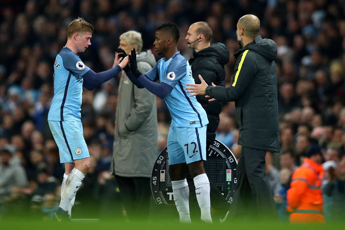 Kelechi Iheanacho comes on for Kevin De Bruyne