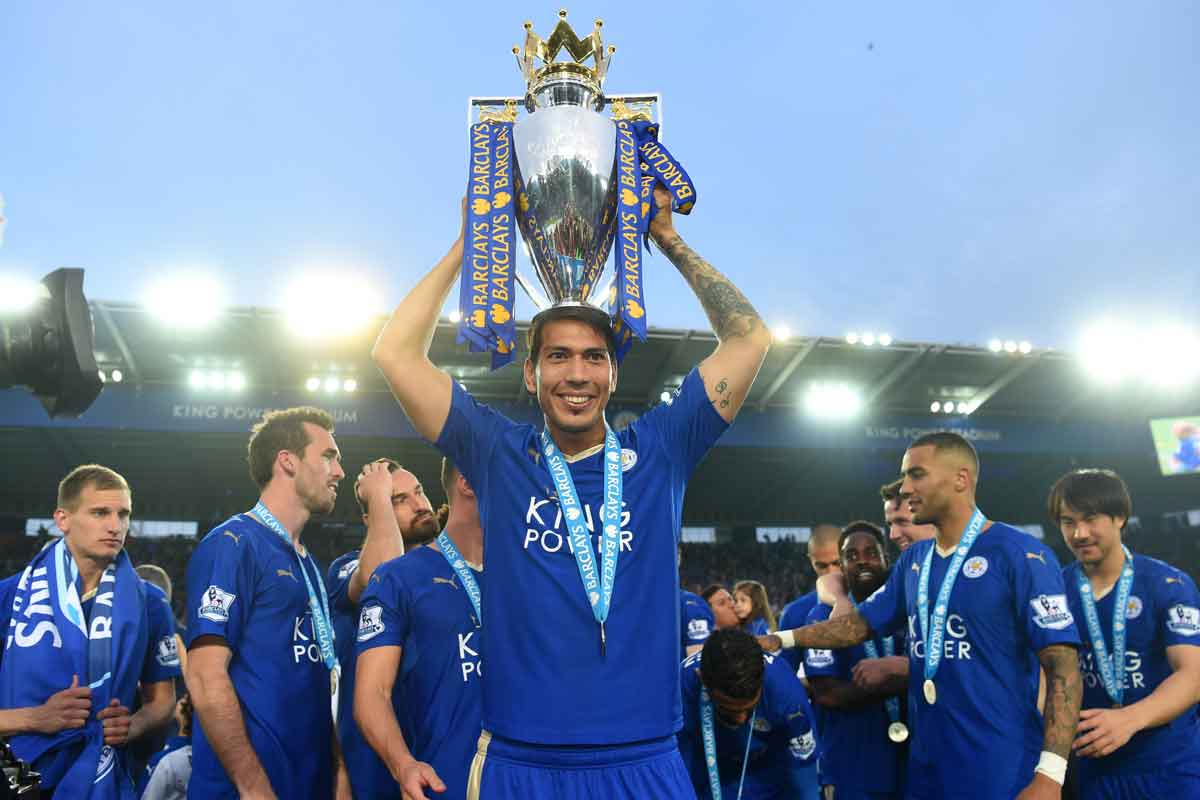 Leicester forward Leonardo Ulloa