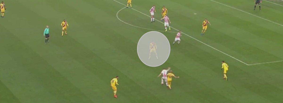 Luka Milivojevic's defensive positioning