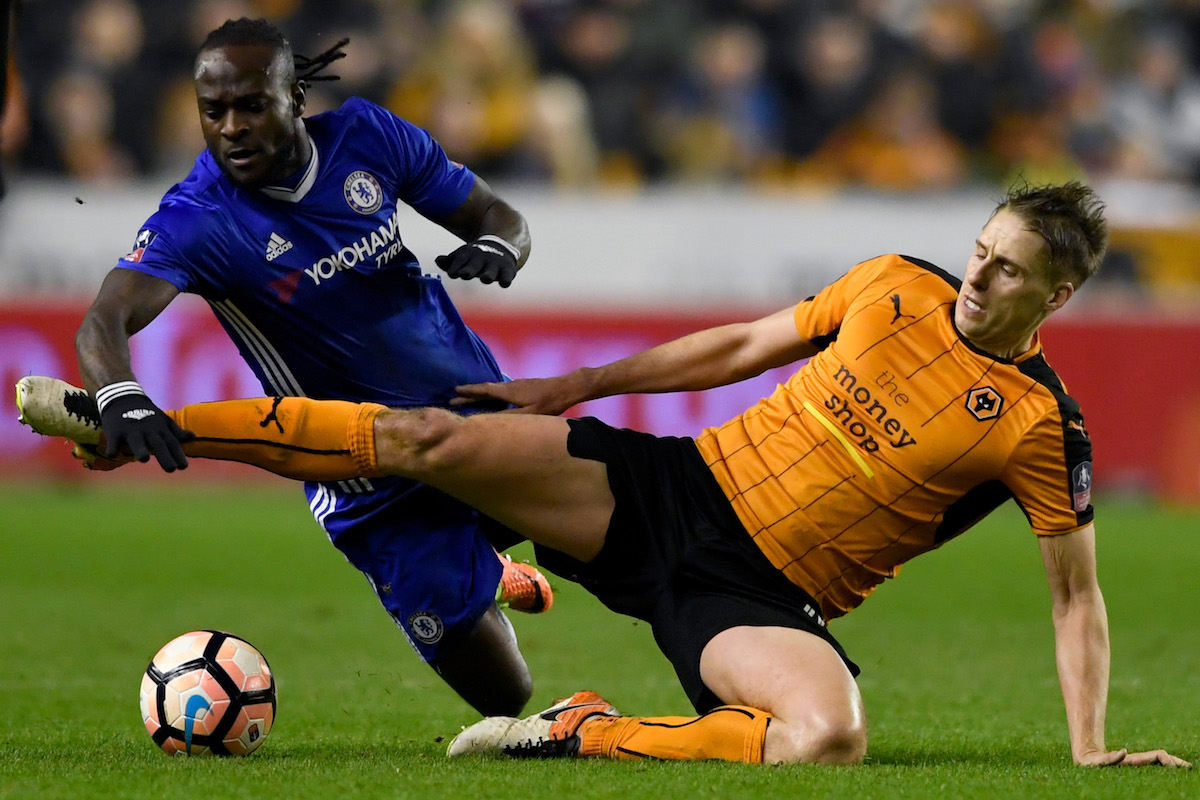 ictor Moses of Chelsea (L) and Dave Edwards of Wolves (R)